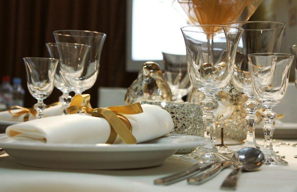 Factors to Consider When Buying Bar Glassware